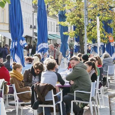 Straßencafés in der Freisinger Innenstadt