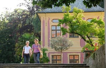 Das Salettl im Hofgarten der Weihenstephaner Schau- und Sichtungsgärten in Freising