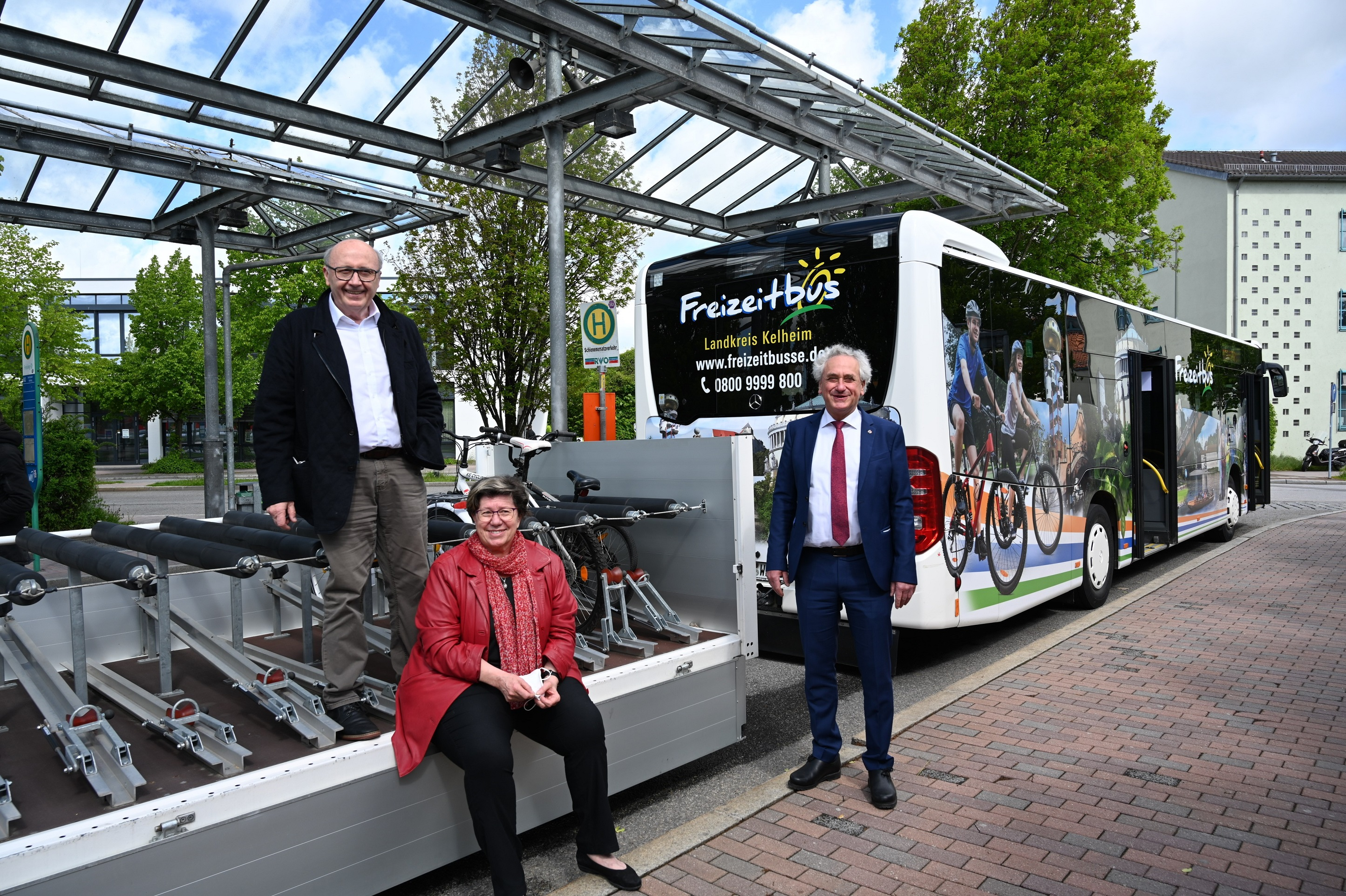 Startschuss Freizeitbus auf der Strecke von Mainburg nach Freising