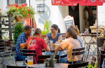 Biergarten bei der Schlossbrauerei Au
