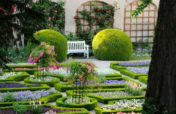 Hofgarten in den Weihenstephaner Gärten in Freising