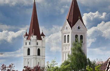 Die Türme vom St. Kastulus Münster und der St. Johannes Kirche