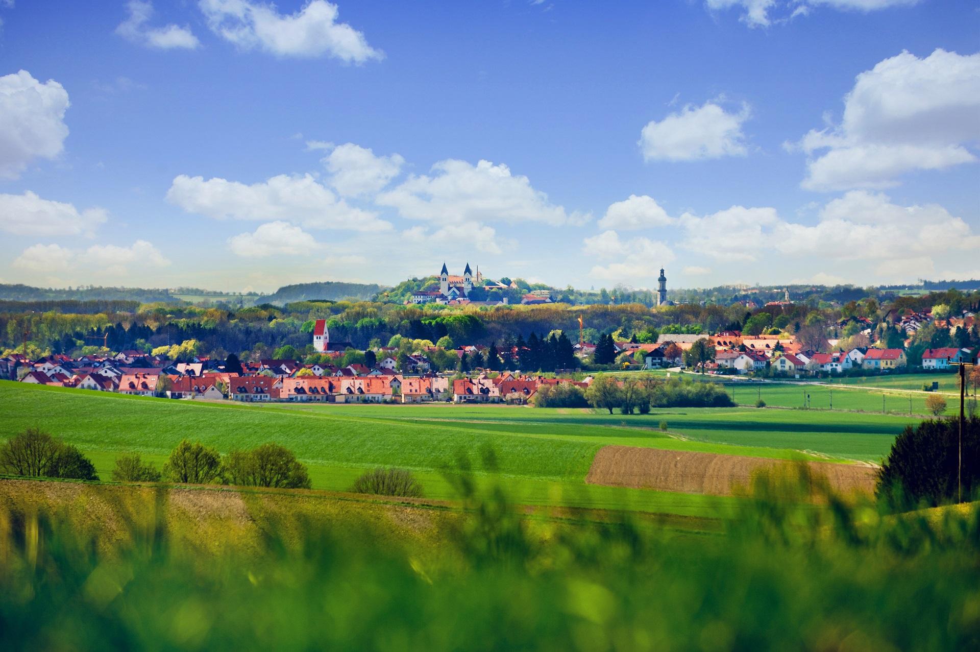 Blick auf Marzling und Freising mit Domberg