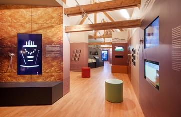 Ausstellungsraum im Bronzezeit Bayern Museum in Kranzberg